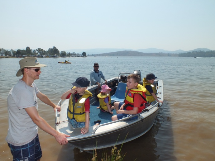 Adam & Matt took all the kids out in the boat for a spin around the dam