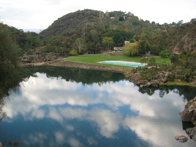We started with a 15 minute walk out of Launceston to visit Cataract Gorge