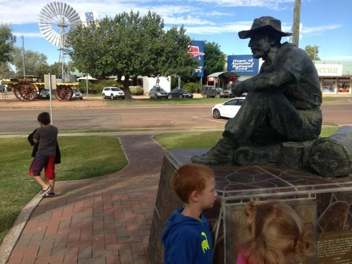 Swagmen Statue Winton