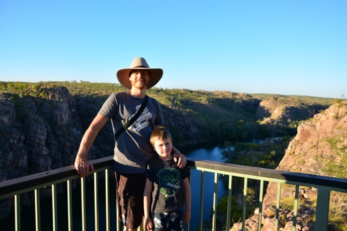 Matt & Jack did the 2km return (fairly steep) climb to the lookout to watch the sunset over Katherine Gorge