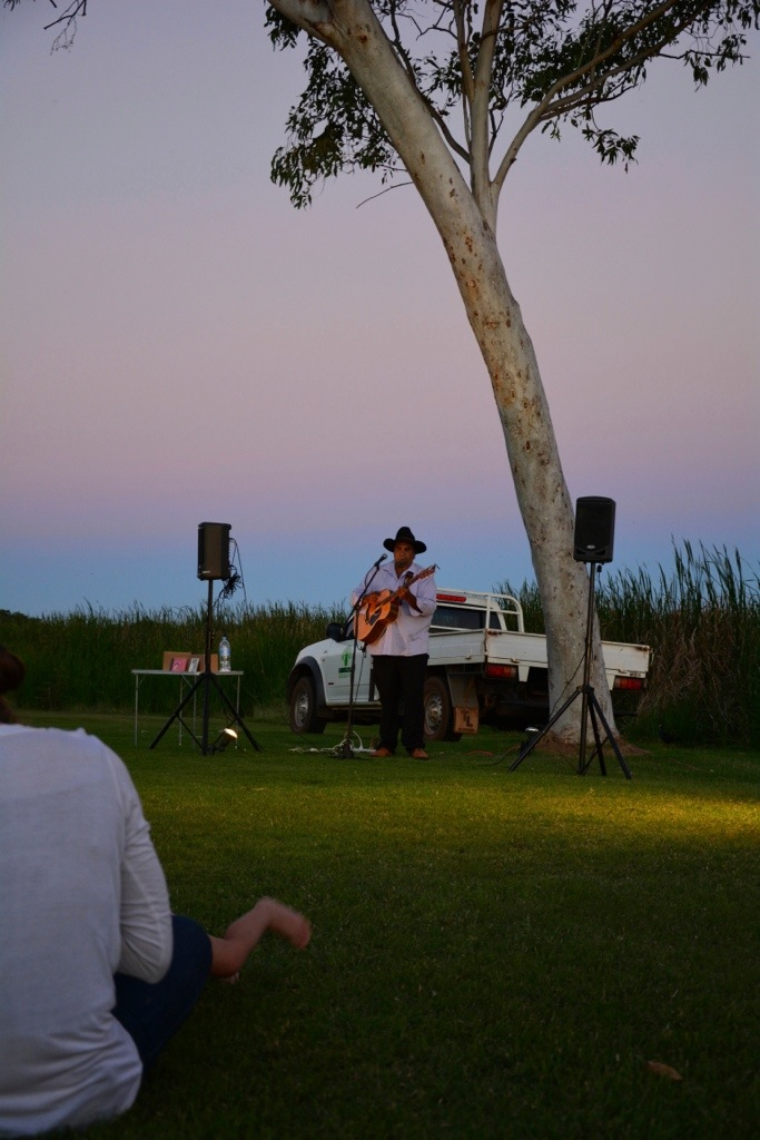 Peter Brandy performing at Kimberleyland Caravan Park