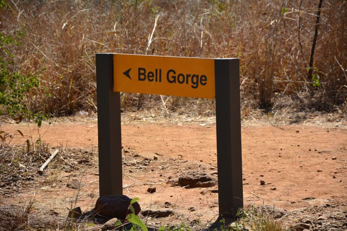 Off to walk in to Bell Gorge