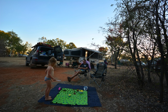 Relaxing afternoon at camp - Windjana Gorge