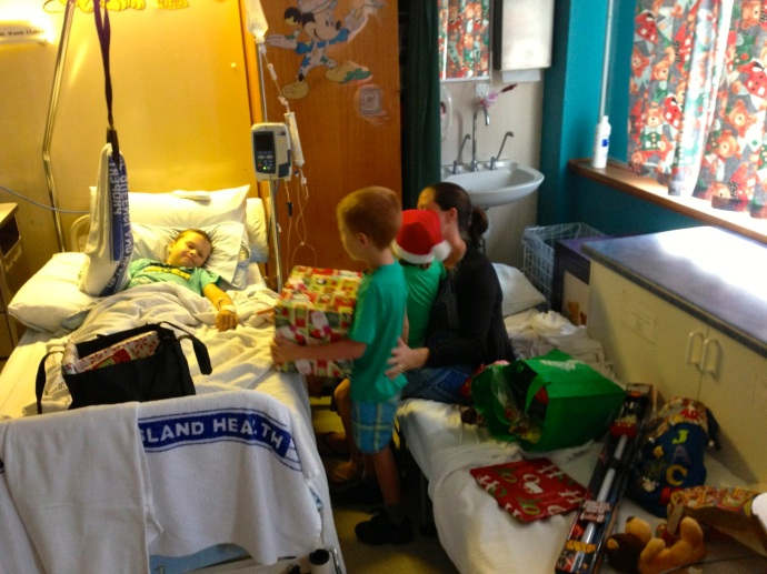 Then Dad, Toby & Lexi arrived at the hospital to open some pressies with Jack before he headed off to Cairns